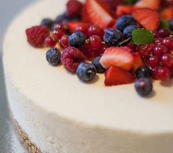 No Bake Berry Jelly Cheese Cake